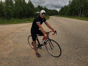 """Дмитрий Шапаров: Велоспорт это тоже """"лошадиный спорт""""."""